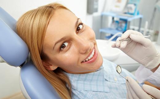 dca-blog_basic-dental-care-chair-woman