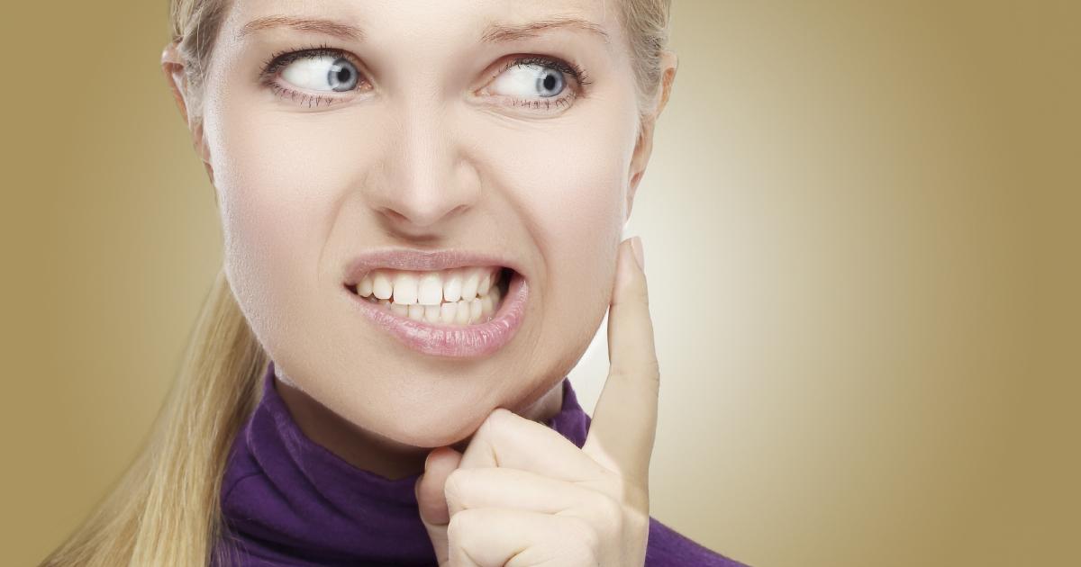 dca-blog_teeth-grinding-purple-woman